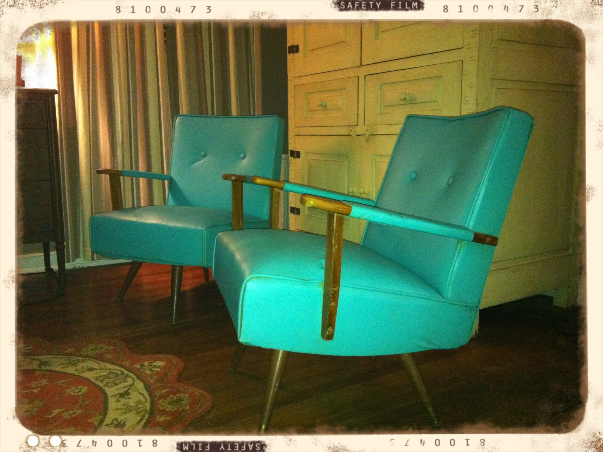 Attractive Atomic Age Seating Solutions