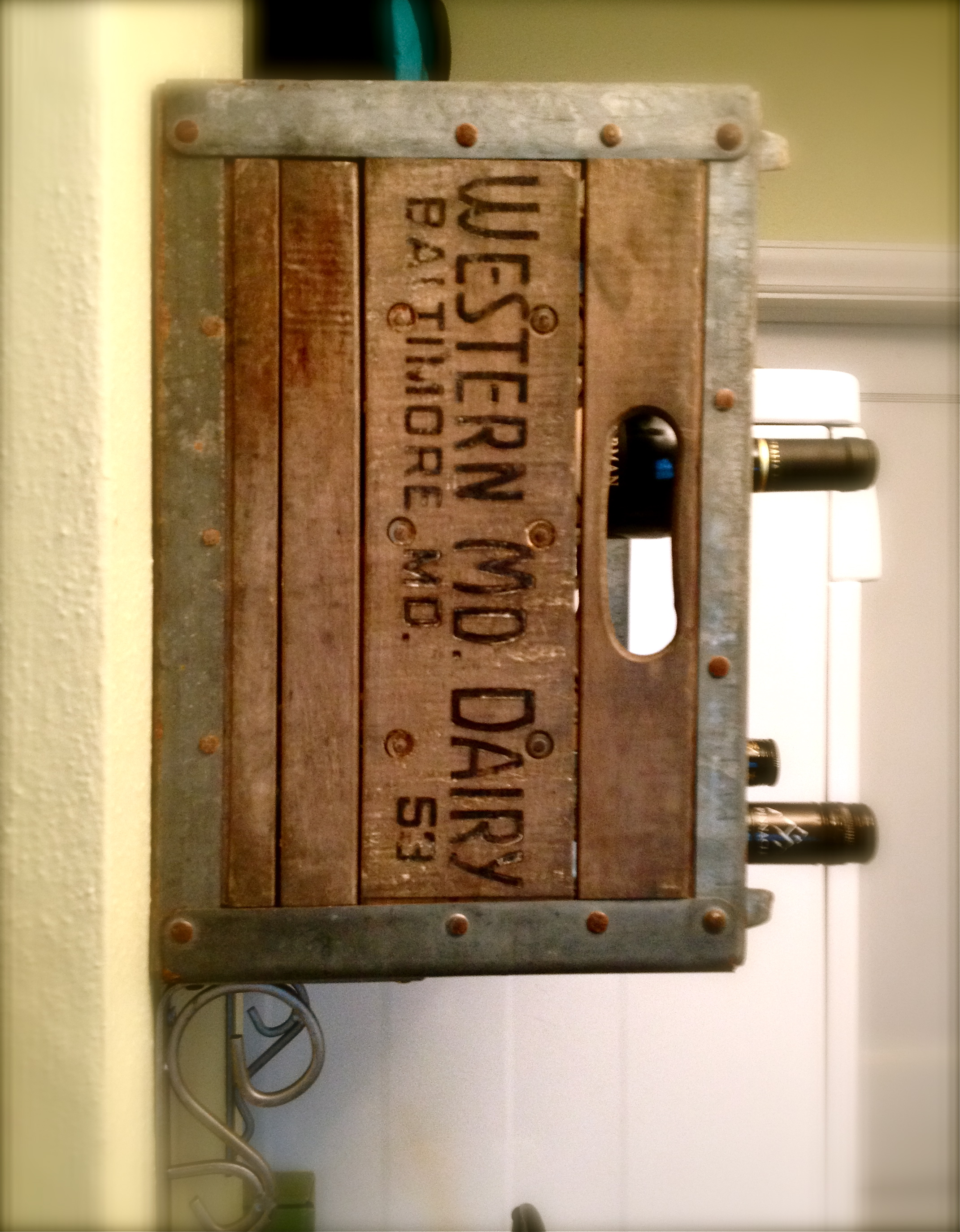 Upcycled milk crate wine rack oh glory vintage for Old wine rack