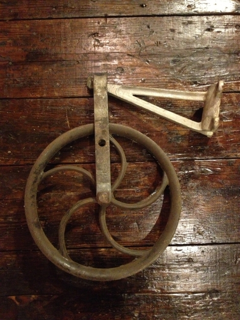 Vintage cast iron pulley / hay wheel