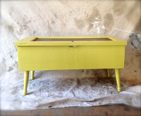 chartreuse table 4