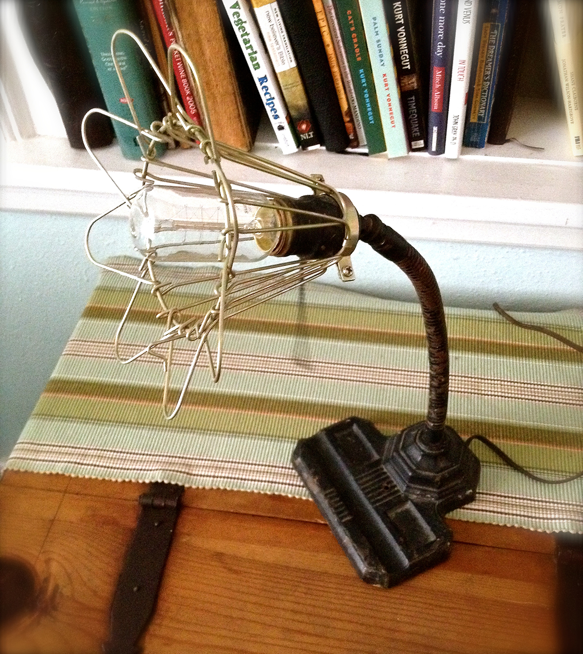 Vintage 40s cast iron metal deco industrial gooseneck desk lamp light - Vintage Gooseneck Desk Lamp With A Cast Iron Base Flexible Neck Brass Socket And Industrial Work Light Style Adjustable Cage